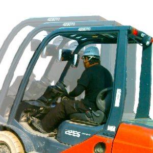 足場施工の整備スタッフ